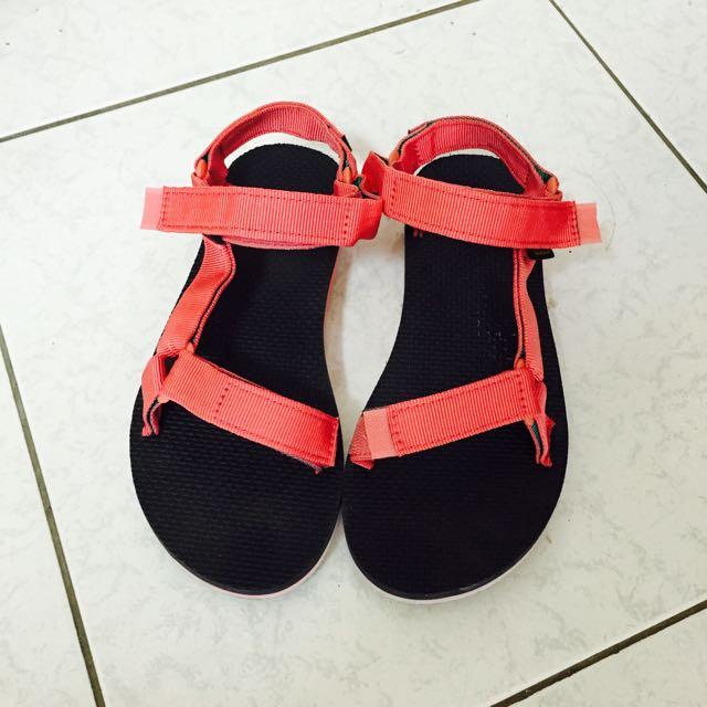 Teva 粉紅色涼鞋 38號 降➡️$800
