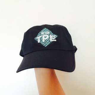 (保留中)Nike we run TPE 帽子