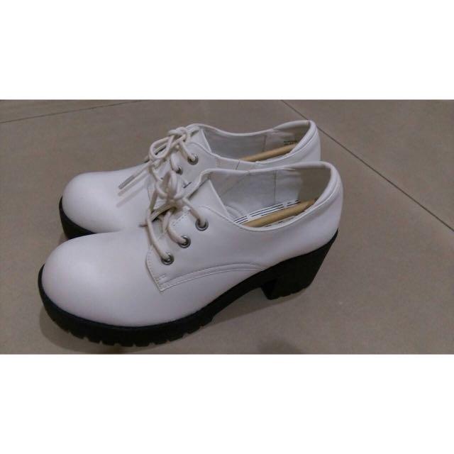 全新 白色 厚底鞋 增高鞋 娃娃鞋 37號