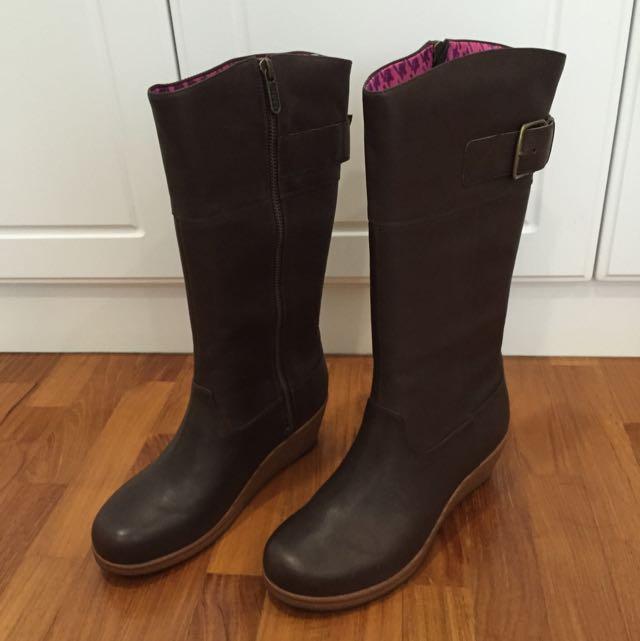 31e3ae378c4 Brand New Crocs Wedge Boots
