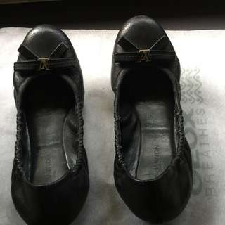 (SOLD) Louis Vuitton Flats For Sale