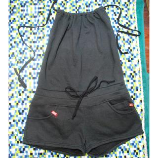 黑色繞頸短褲 M(全新)
