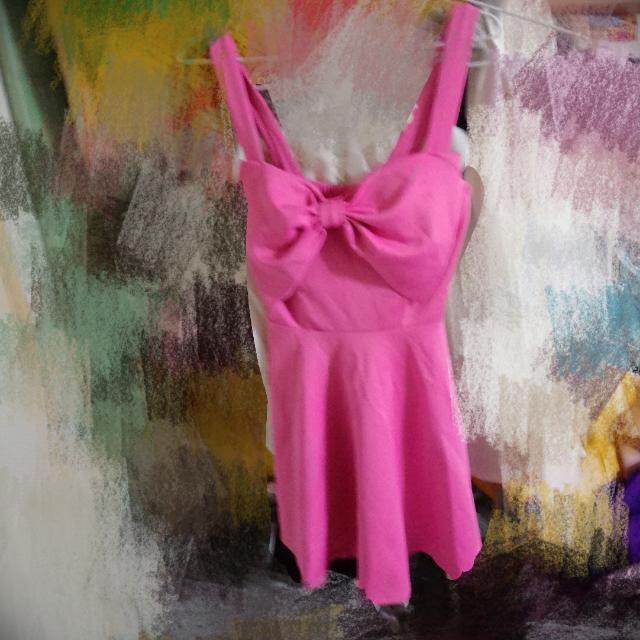 大蝴蝶結洋裝