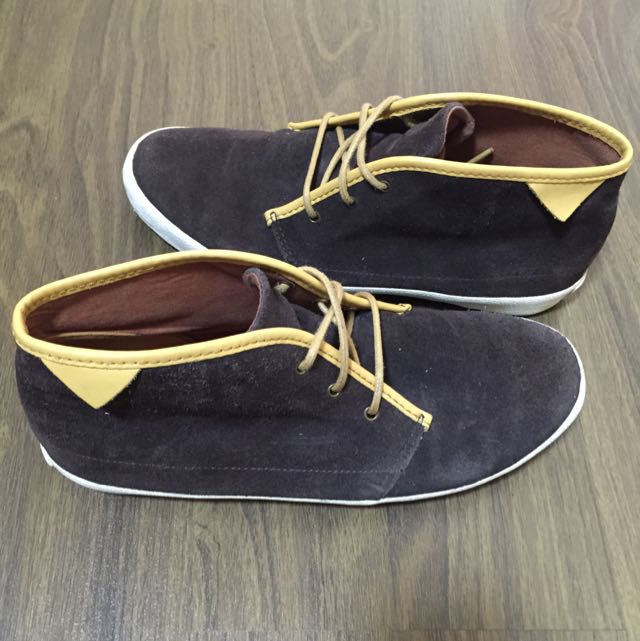 Authentic Pointer Shoe