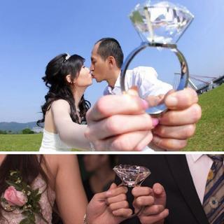💍透明的水晶超大鑽戒 ,男女友求婚_訂婚_結婚道具用品 經久不衰的永恆!