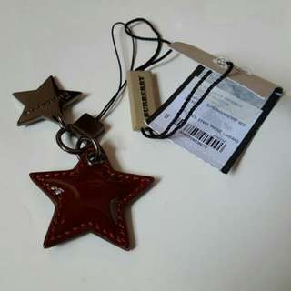 🔥Limited Edition BNWT 💯Authentic Burberry Maroon Stars Phone/Bag Charm🔥