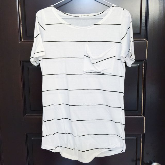 隨性感薄棉條紋大口袋短袖上衣