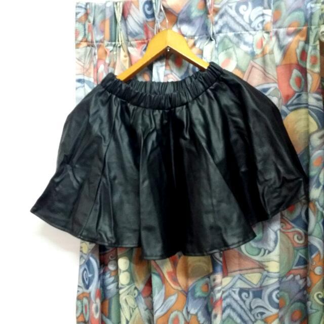皮革 裙子 A字裙 黑色 短裙 短褲 彈性 皺褶