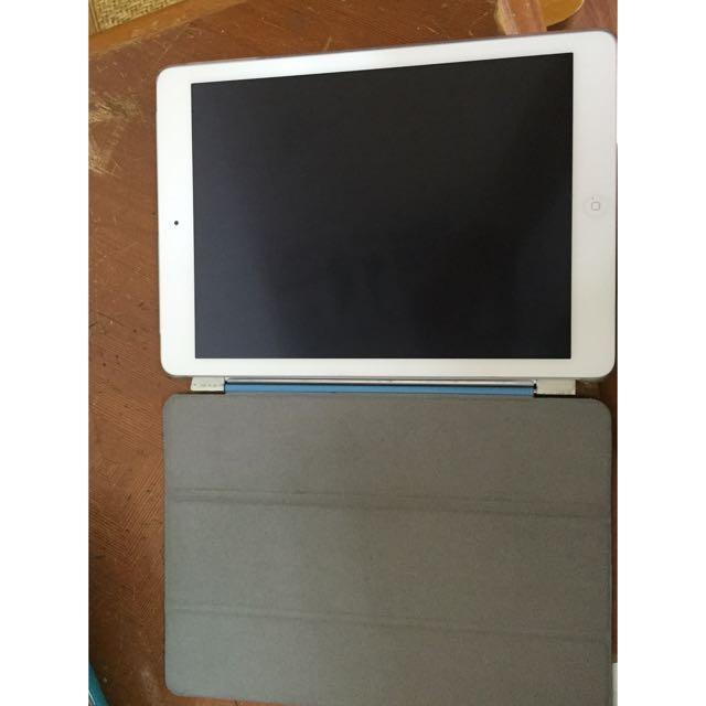 iPad Air 3G 32GB  9成新