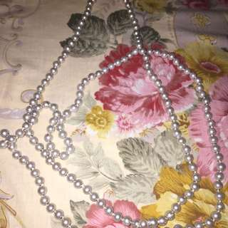 A Very Long Pearl Necklace That You Can Wear  And Style As Many As You Can! 💋💋