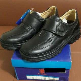 【破盤價$1800】全新男休閒鞋,超有質感牛皮鞋,黑色#25,原價$3280,現只要$1800含運。