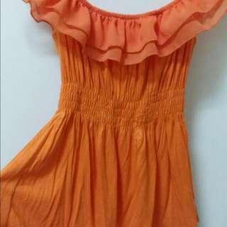 二手。螢光橘。材質舒服透氣。夏日最亮眼的選擇