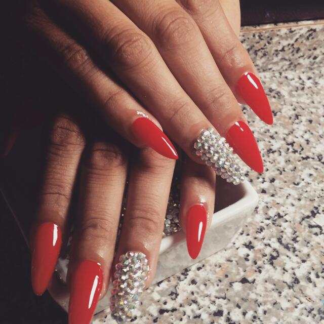 Nails /Uñas
