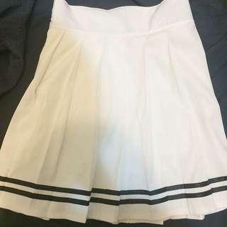 白色網球百褶裙
