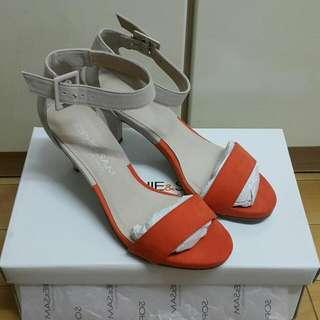 SOPHIE&SAM 雙色低跟涼鞋,全新