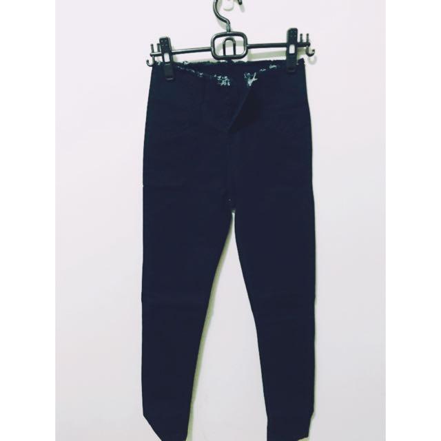 保留  (全新)黑色多釦高腰牛仔褲 - S