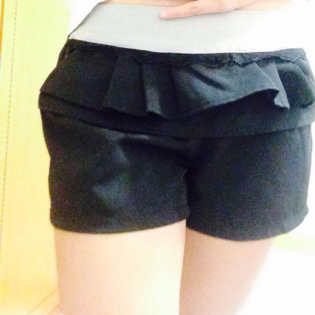 氣質黑色顯瘦短褲✌️