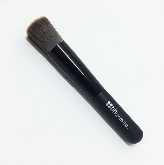 (RESERVED) BN bh Cosmetics Brush 8 - Round Stippling Brush