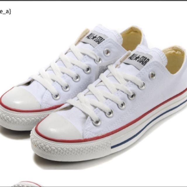 白色低筒converse帆布鞋