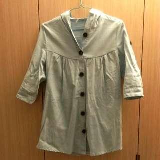 淺色長版牛仔外套