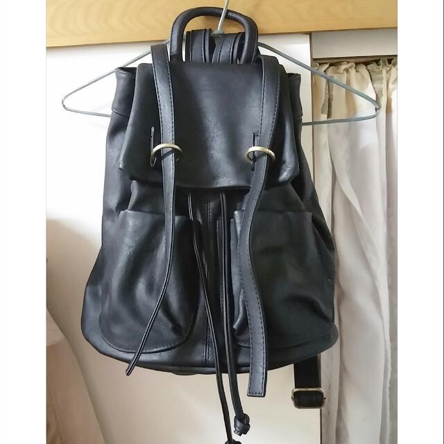 (保留中)🌟大特價🌟金屬釦環束口口袋後背包 黑色