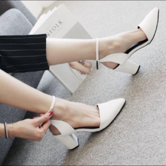 正韓·尖頭後交叉粗跟鞋 黑/白/銀 現+預