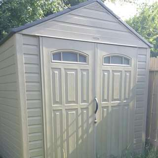 Rubber maid 7' × 7' Lawn Shed