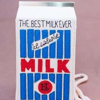 斜背牛奶盒包