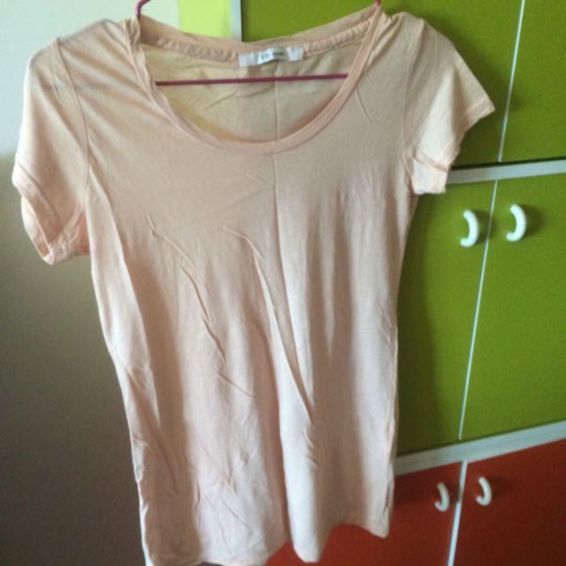 粉橘薄短袖