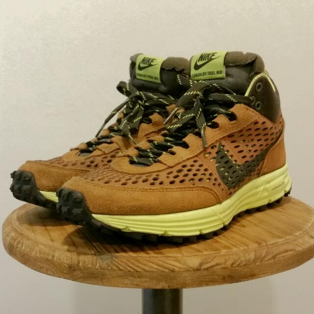 best service 0f81a dbc78 Nike Lunar LDV Mid Sneaker Boot, Sports on Carousell