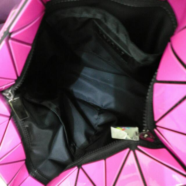 9936d363de  PREOWNED   BAO BAO ISSEY MIYAKE ROCK 3- 22 PINK TOTE BAG