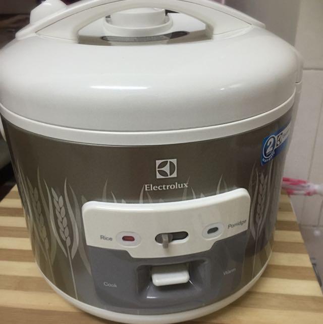 Tunjuk Banyak Lagi Peralatan Dapur Photo