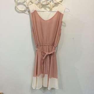 粉色雪紡小洋裝