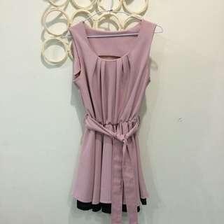 粉紅小洋裝