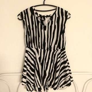 黑白線條小洋裝(可當上衣)