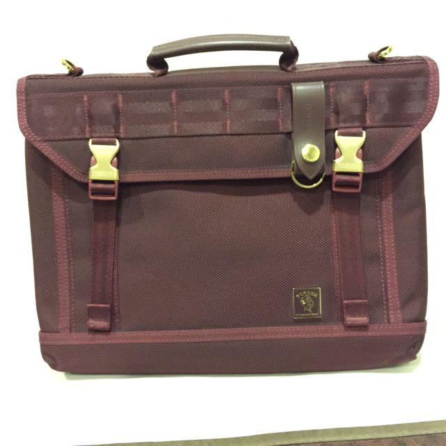 全新正品International Porter 包 酒紅色 電腦包 側背包 11348
