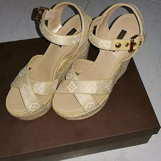 👠BN Authentic LV Casual Wedges