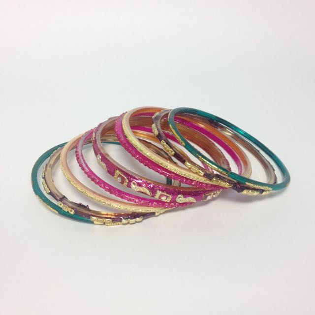 流浪的女子💃🏻民族風手環一串串