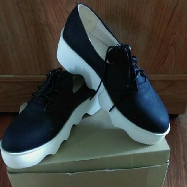 售 黑色厚底 鬆糕鞋