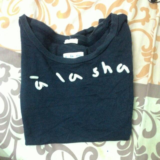 A La Sha深藍底白logo短袖