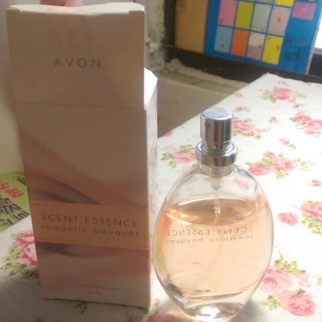 Avon浪漫花束香水