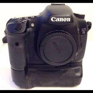 Canon 7D (body + Battery Grip)