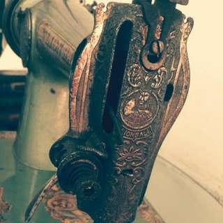 巴洛克古董裁縫機(稀有茉綠)