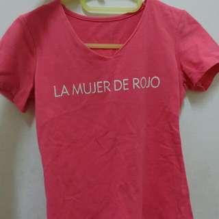 桃紅字母T恤上衣