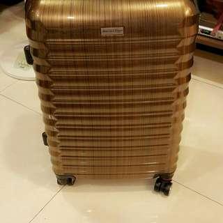 全新24吋行李箱