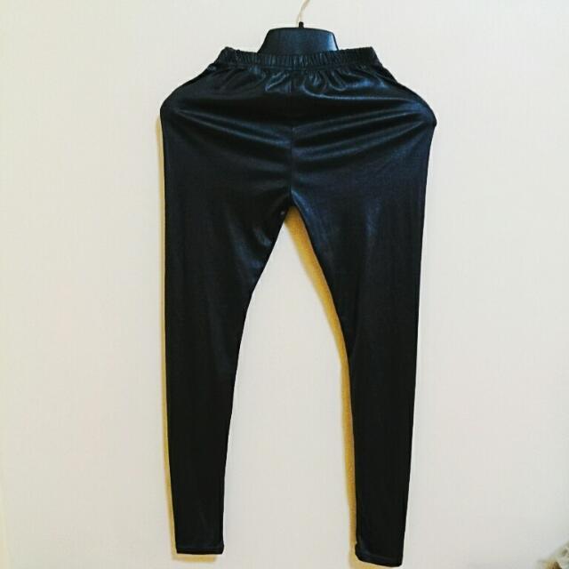 金屬黑內搭褲