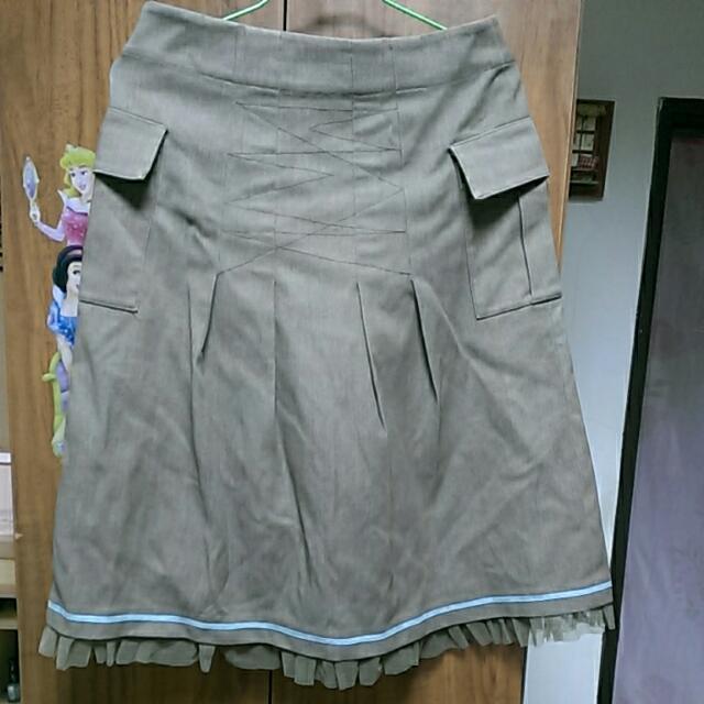 鐵灰色裙子