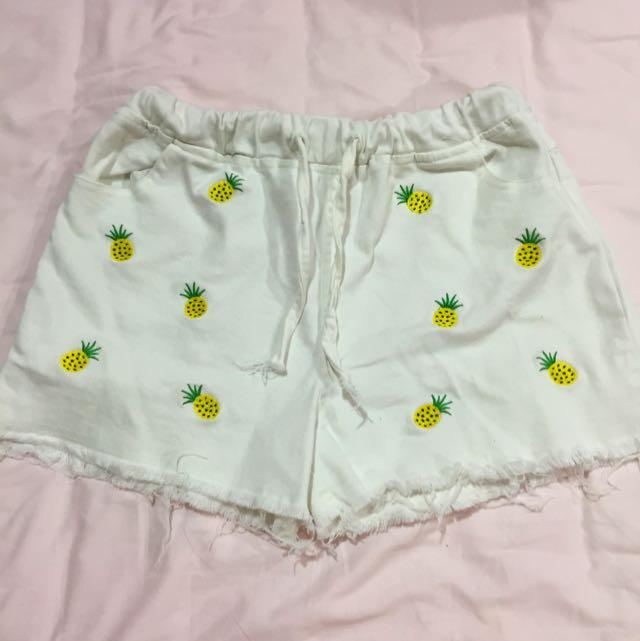 (清衣櫃)超可愛鳳梨白短褲 流蘇 顯瘦
