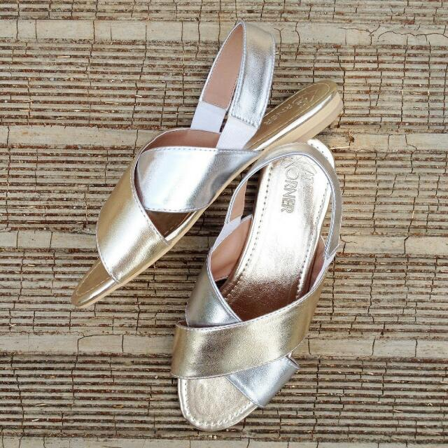 Iris Sandal In Soft Silver