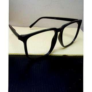 🚚 黑框無鏡片眼鏡